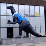 Statue d'Iguanodon lors de la journée mondiale de l'eau en 2015